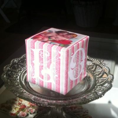 Wings of Whimsy: Cherub Block of Love - free printable for large block  #vintage #ephemera