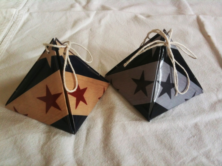 Wings of Whimsy: Stars N Stripes Pyramid Gift Boxes - free printables for personal use