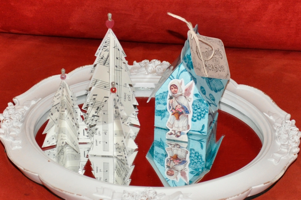 Wings of Whimsy: Vintage Christmas Village - DAY 2 - free printables #vintage #victorian #ephemera #cottage #cherub #tree