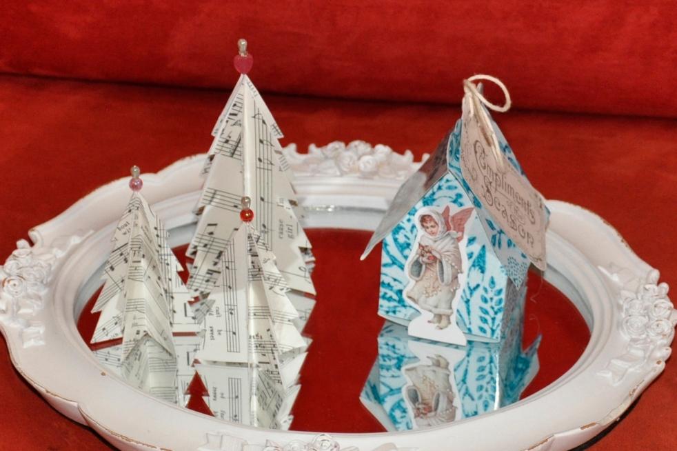 Wings of Whimsy: Vintage Christmas Village - DAY 18 - free printables #vintage #victorian #ephemera #cottage #cherub #tree