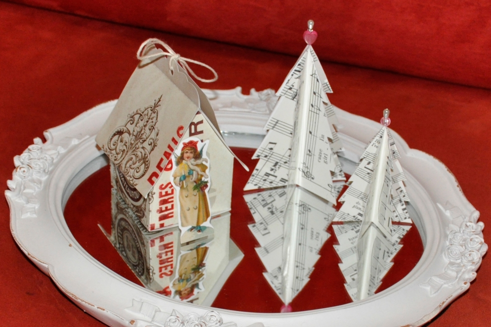 Wings of Whimsy: Vintage Christmas Village - DAY 7 - free printables #vintage #victorian #ephemera #cottage #cherub #tree