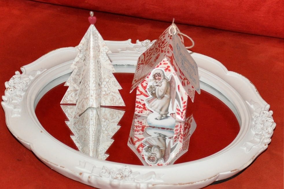 Wings of Whimsy: Vintage Christmas Village - DAY 17 - free printables #vintage #victorian #ephemera #cottage #cherub #tree