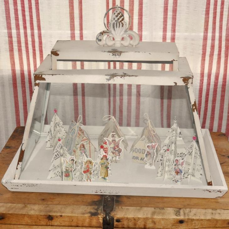 Wings of Whimsy: Vintage Christmas Village - free printables #vintage #victorian #ephemera #cottage #cherub #tree