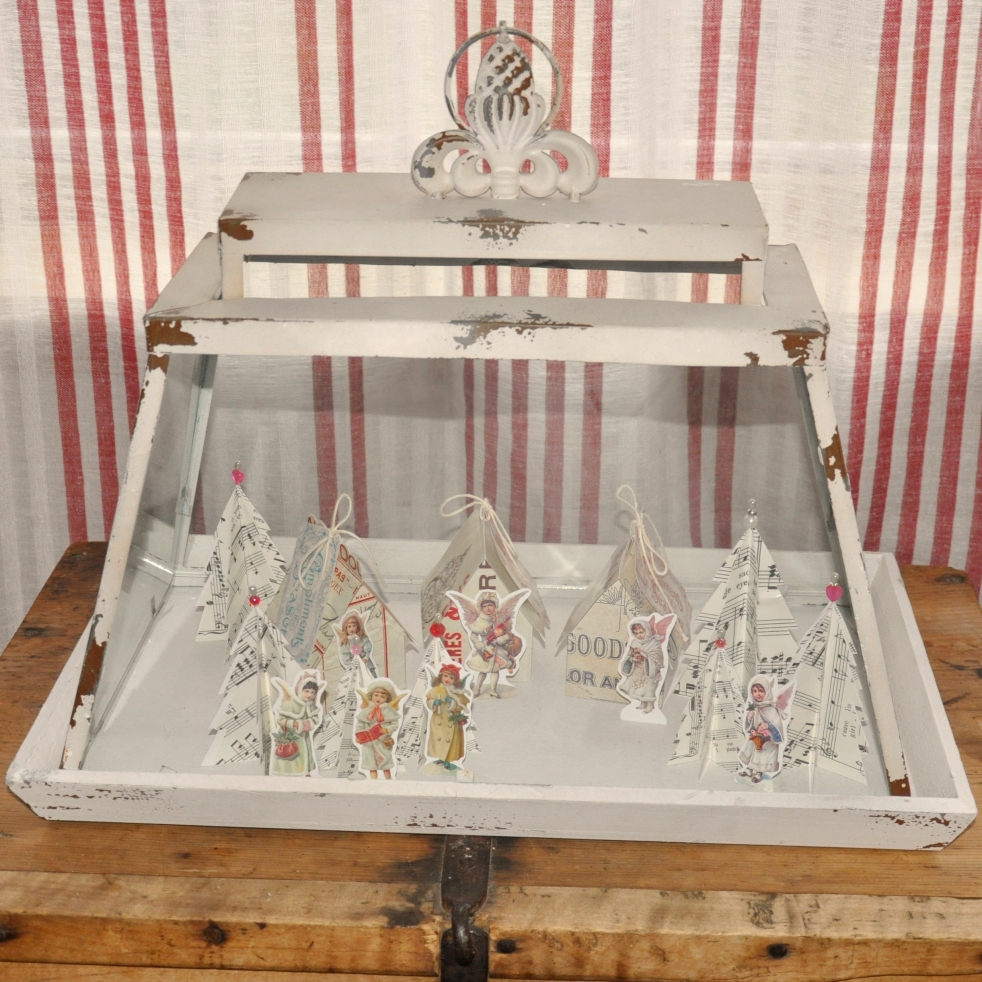 Wings of Whimsy: Vintage Christmas Village - Shabby Chic - free printables #vintage #victorian #ephemera #cottage #cherub #tree