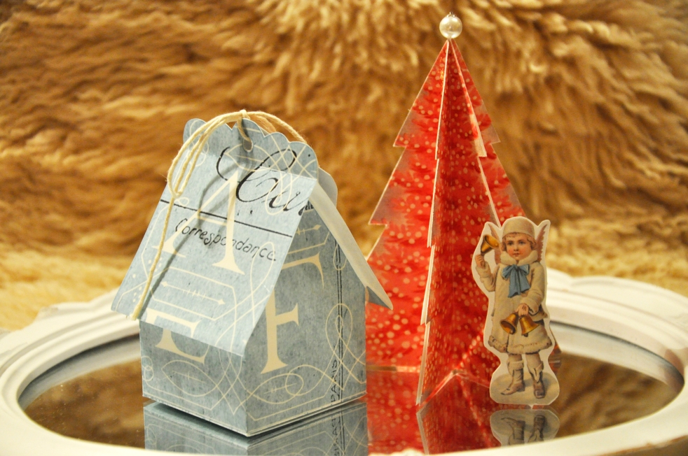 Wings of Whimsy: Vintage Christmas Village - DAY 19 - free printables #vintage #victorian #ephemera #cottage #cherub #tree
