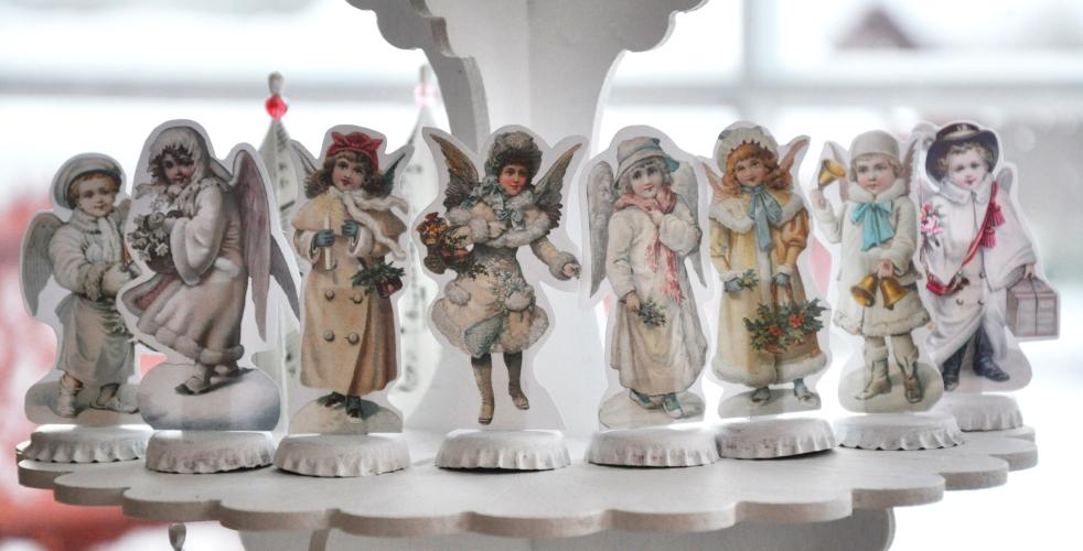 Wings of Whimsy: Vintage Christmas Village - free printables #vintage #victorian #ephemera #cottage #snow #cherub #tree