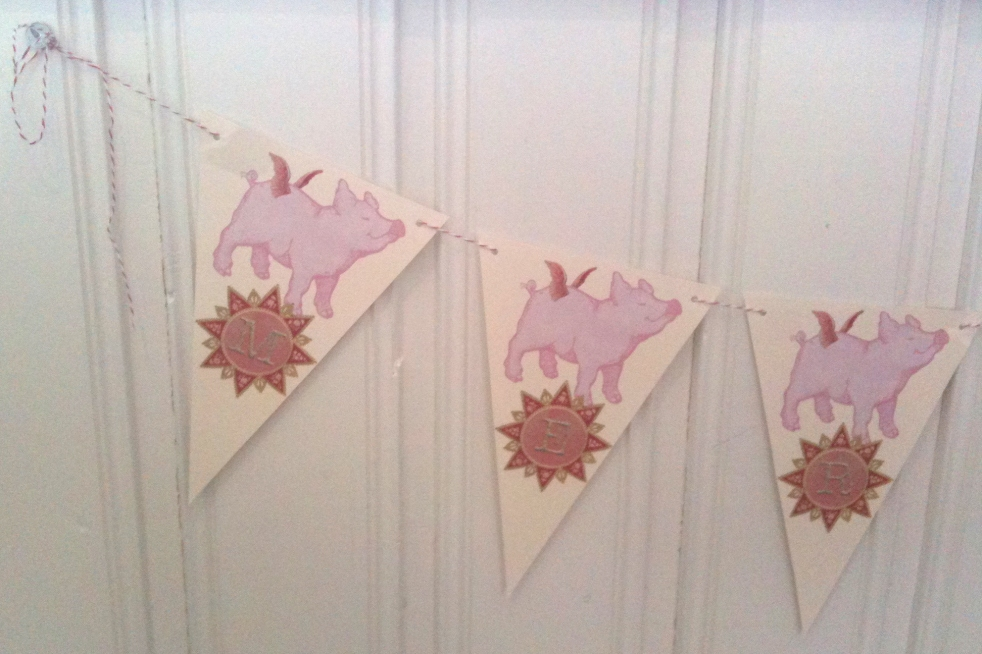 Wings of Whimsy: Merry & Bright Christmas Pigs Bunting - free for personal use #vintage #ephemera #printable
