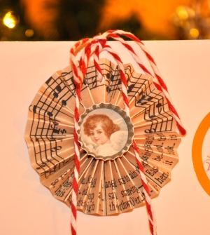 Wings of Whimsy: Christmas Sheet Music Rosette - free printables #ornament #decoration #embellishment