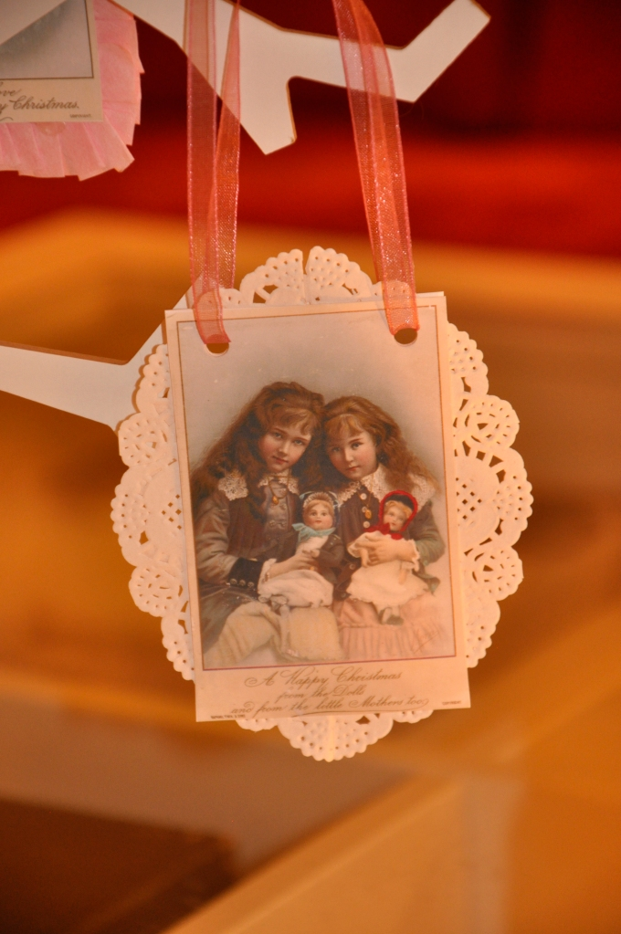 Wings of Whimsy: Vintage Christmas Children Ornaments - free for personal use #christmas #printable #ephemera