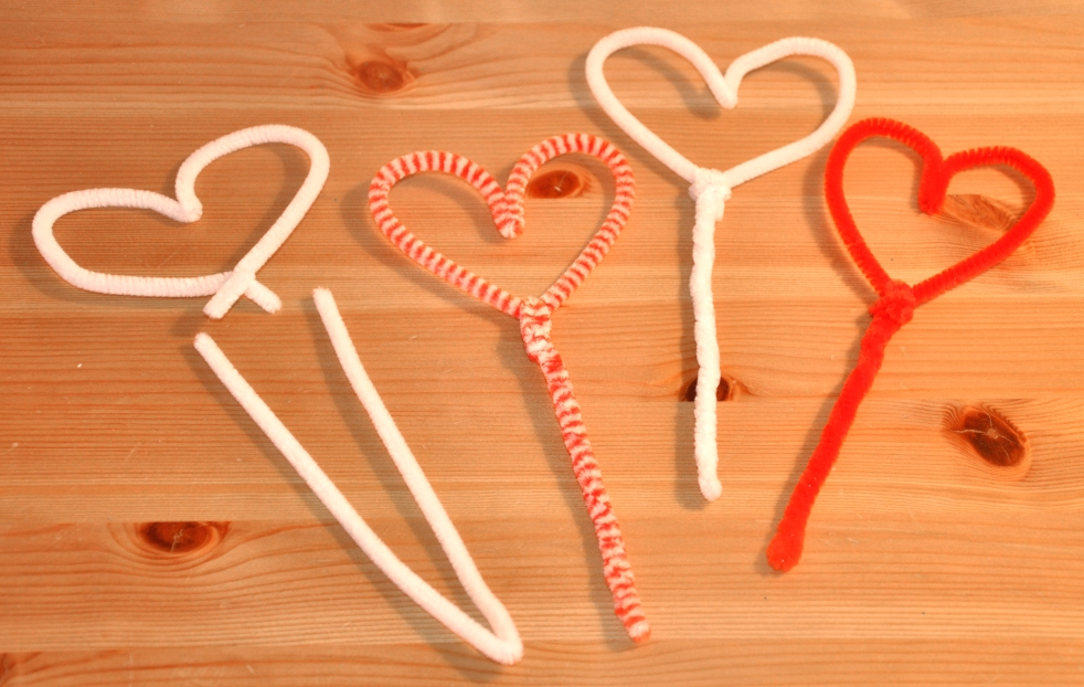 Wings of Whimsy: Valentine Love Circus - DAY 8 - Pipe Cleaner Heart Sticks - free printables  #vintage #ephemera #valentine #circus #clown #freebie