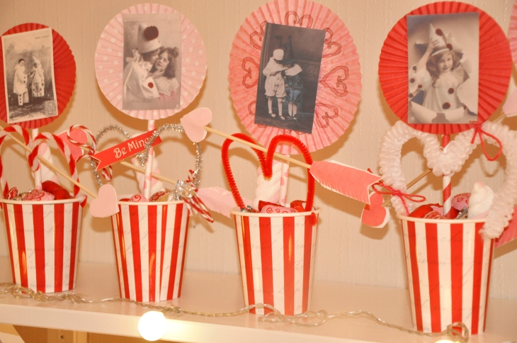 Wings of Whimsy: Love Circus Paper Cup Wraps - free printables #vintage #valentine #freebie