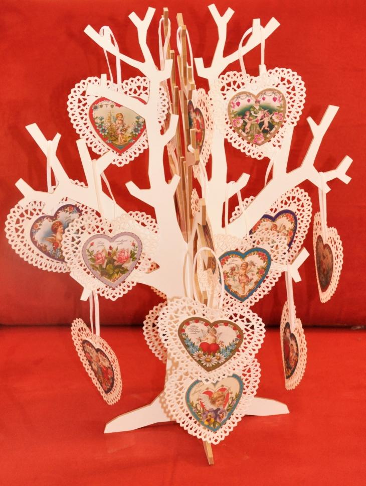 Wings of Whimsy: Valentine Hearts Small - free for personal use #vintage #ephemera #printable #freebie #valentine #cherub #heart