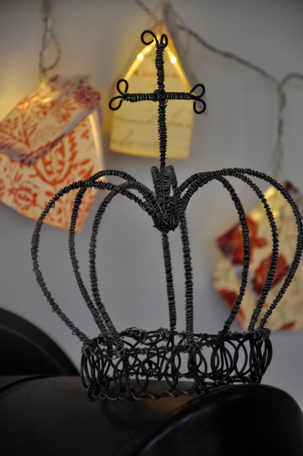 Wings of Whimsy: DIY Fil de Fer Royal Crown