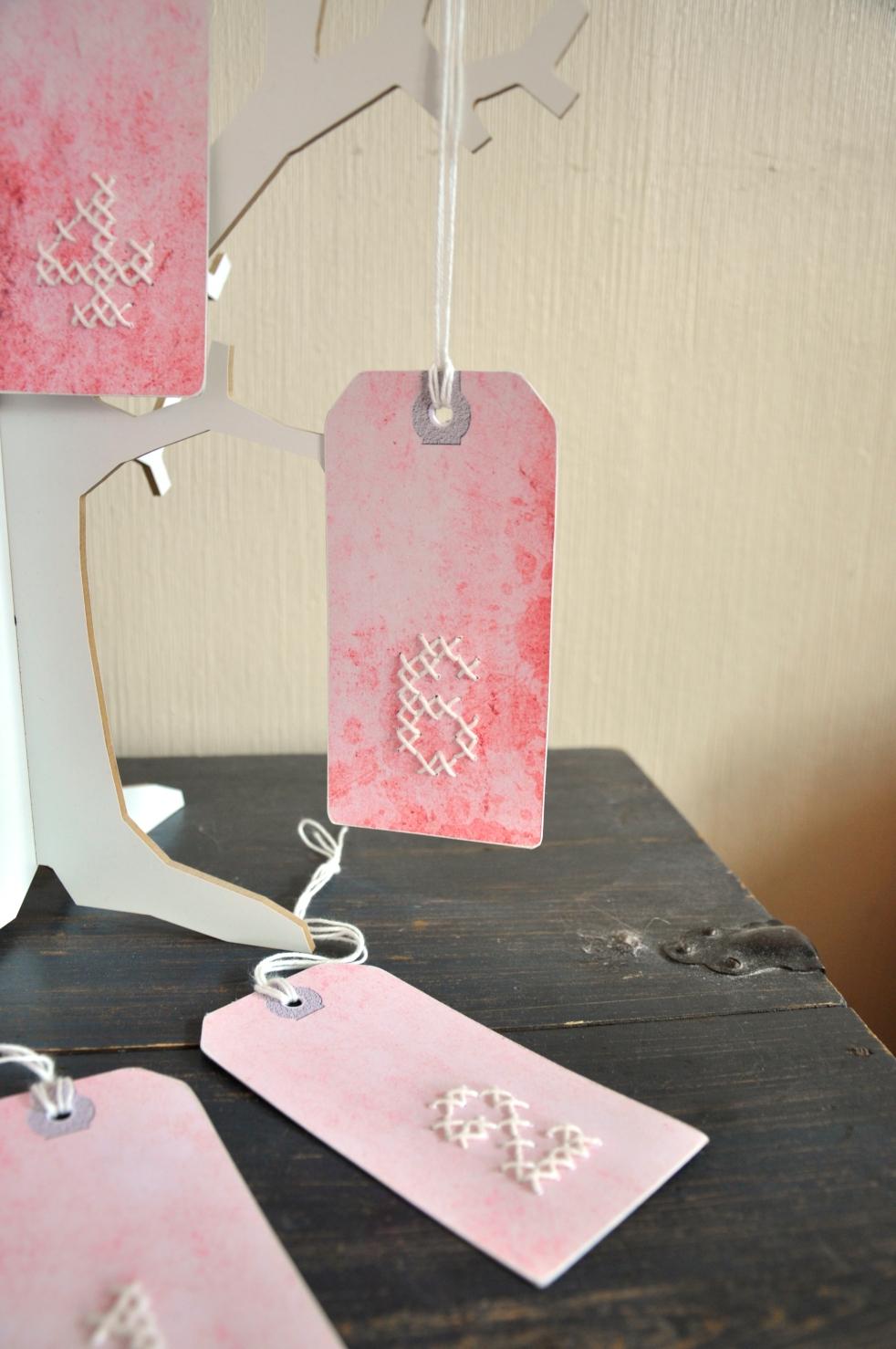 Wings of Whimsy: DIY Embroidery Numeral Tags #vintage #ephemera #printable #freebie #diy