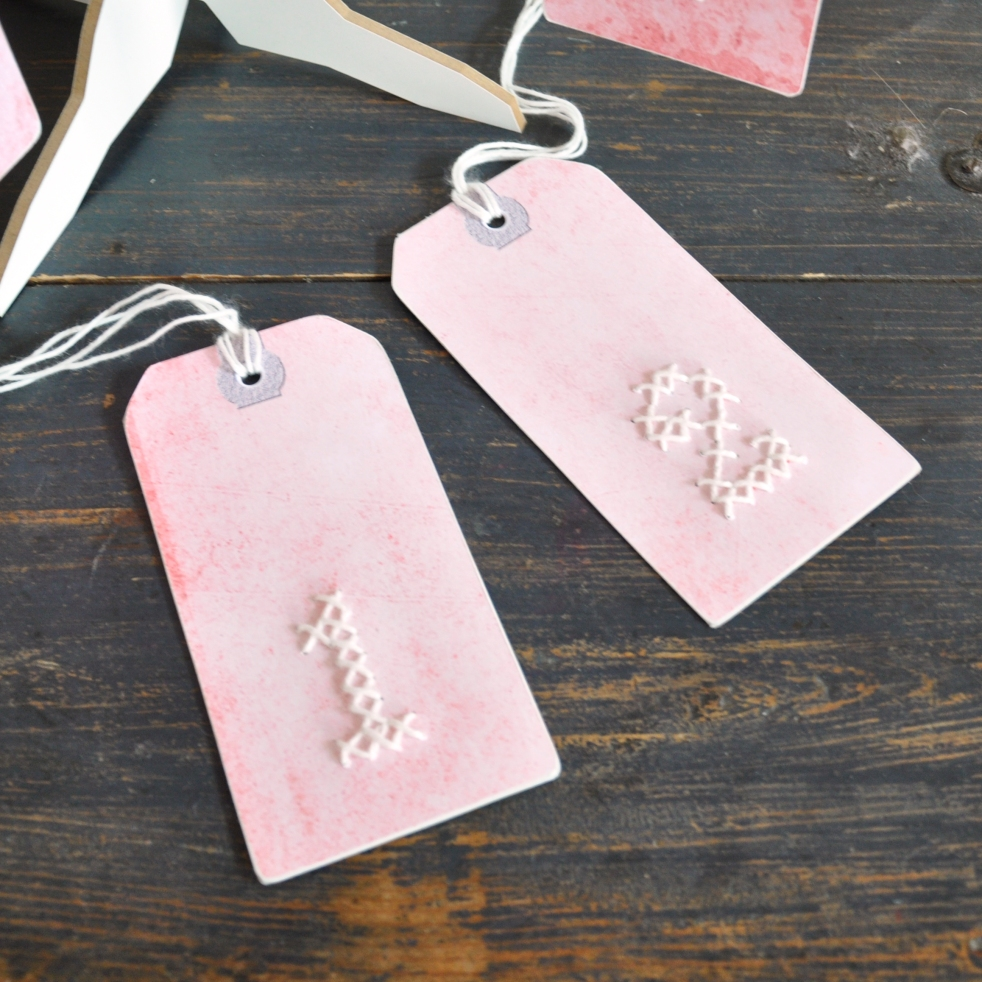Wings of Whimsy: DIY Embroidery Numeral Tags #vintage #ephemera #printable #freebie #diy