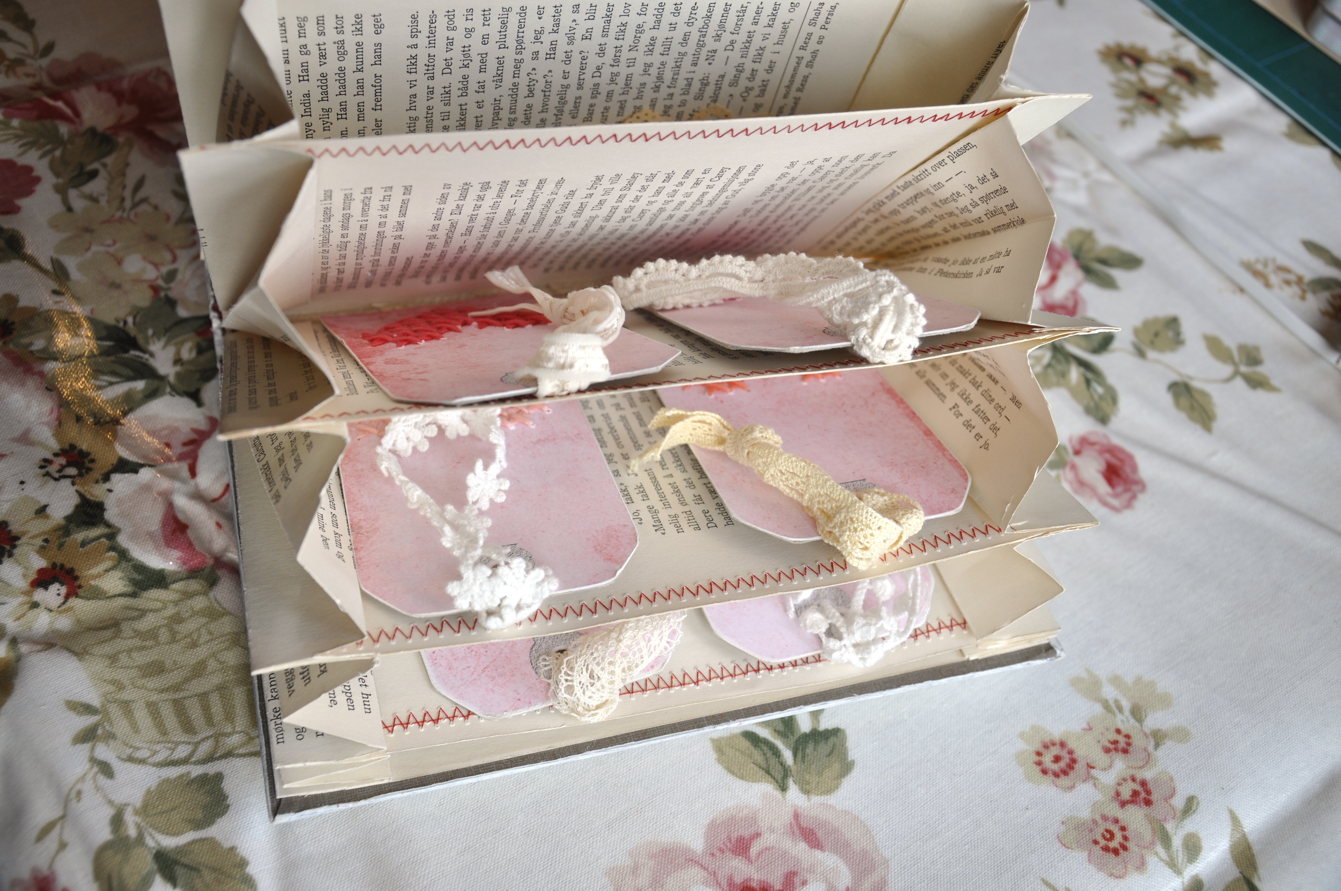 Diy Old Book Crafts No 4 Accordion Organizer Wings Of Whimsy