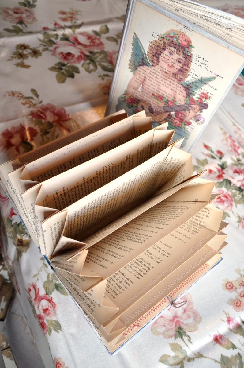 DIY Old Book Crafts - No 4 - Accordion Organizer - Wings ...