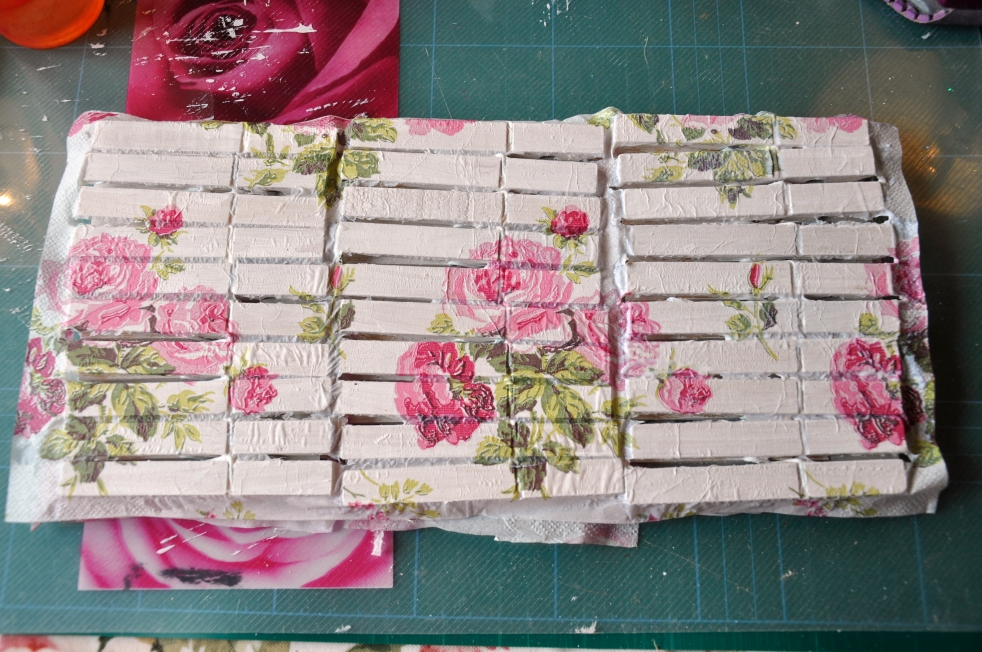 Wings of Whimsy: Decoupaged Clothespins #diy #tutorial #decoupage #napkin