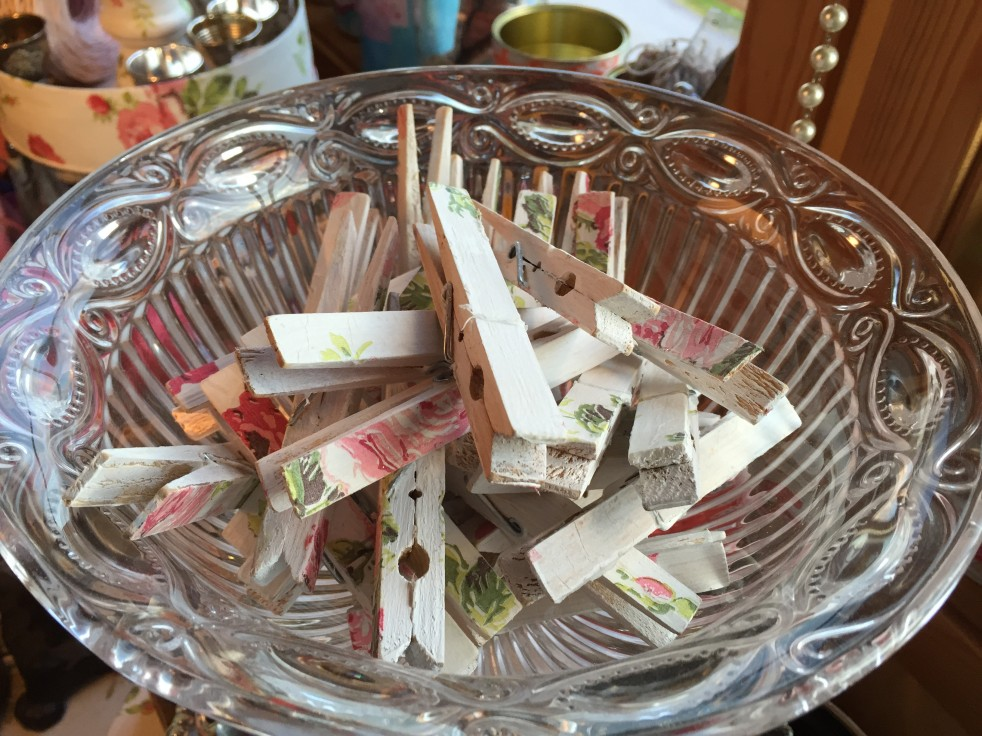 Wings of Whimsy: Decoupaged Clothes Pins #diy #tutorial #decoupage #napkin