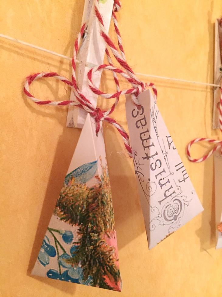 Wings of Whimsy: Christmas Rose Trinket Box #vintage #ephemera #freebie #printable #christmas
