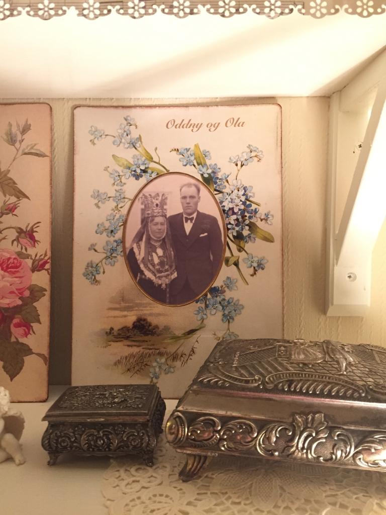 Wings of Whimsy: Die Cut Forget Me Not Album Mat #vintage #ephemera #freebie #printable #valentine