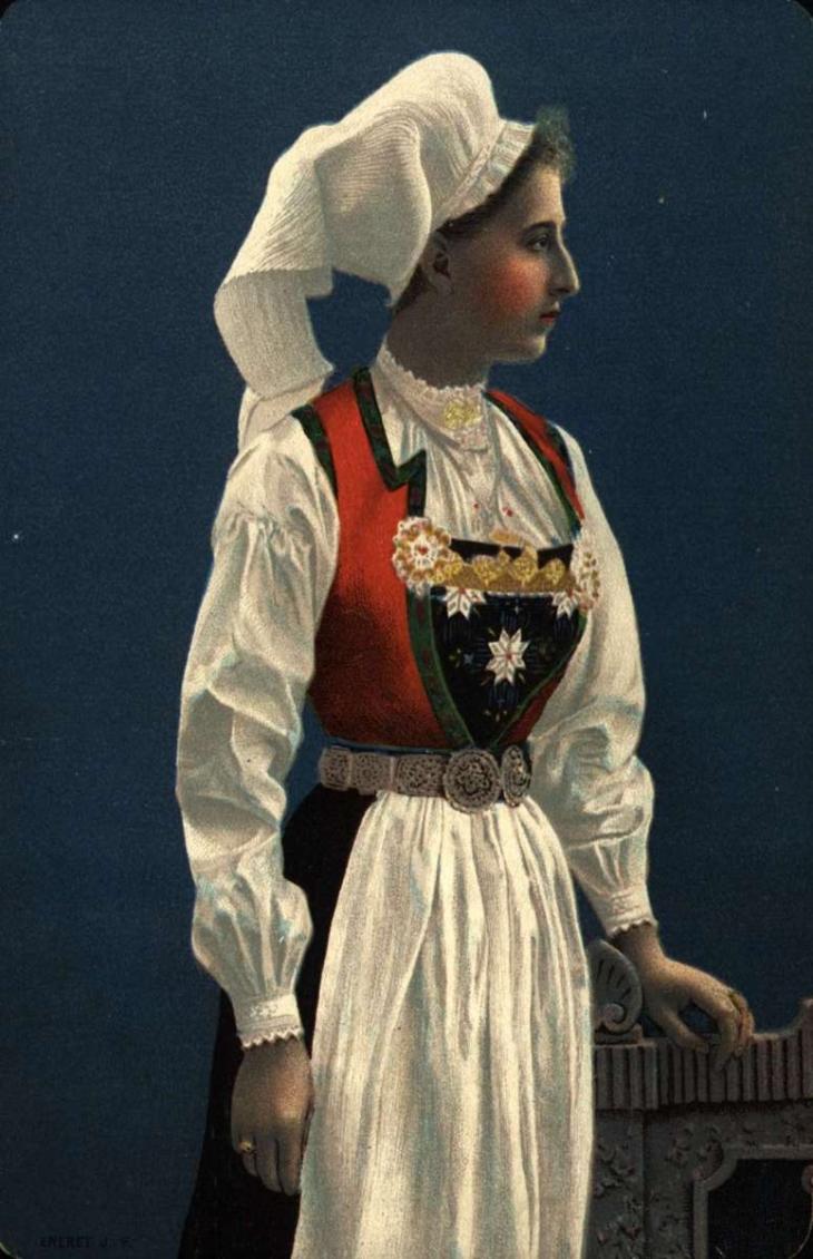 1895MaudHardangerBunad_WingsofWhimsy