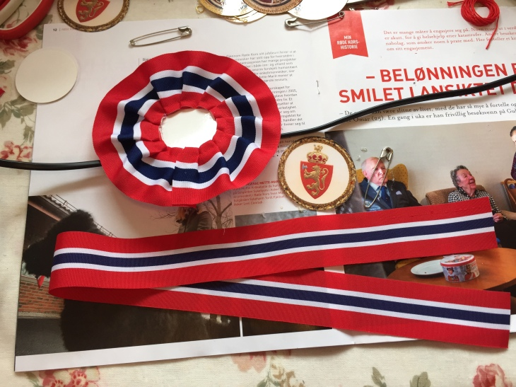 Wings of Whimsy: DIY Norwegian National Day Rosette #vintage #printable #ephemera #norwegian #national #day #may #17th #royal #king #queen