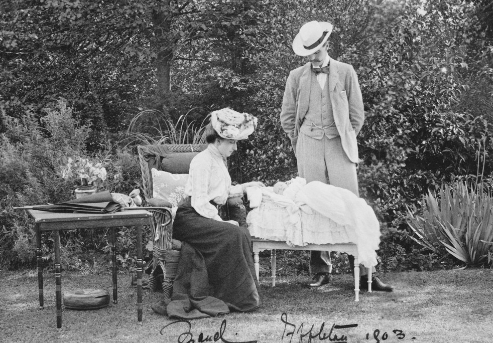 Prince Charles of Denmark and Princess Maud with the infant Prince Olav  Jul 1903