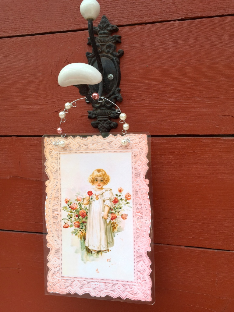 Wings of Whimsy: DIY Rose Girl Hanger #vintage #ephemera #freebie #printable  #lace #rose #girl #png