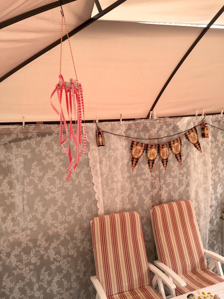 Wings of Whimsy: DIY Mason Jar Band & Ribbon Mobile #diy #ribbon #canningjarband #windsock #mobile