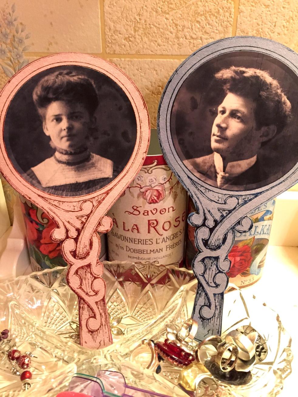Wings of Whimsy: Reinvented Wood Carved Mirrors #vintage #ephemera #freebie #frame