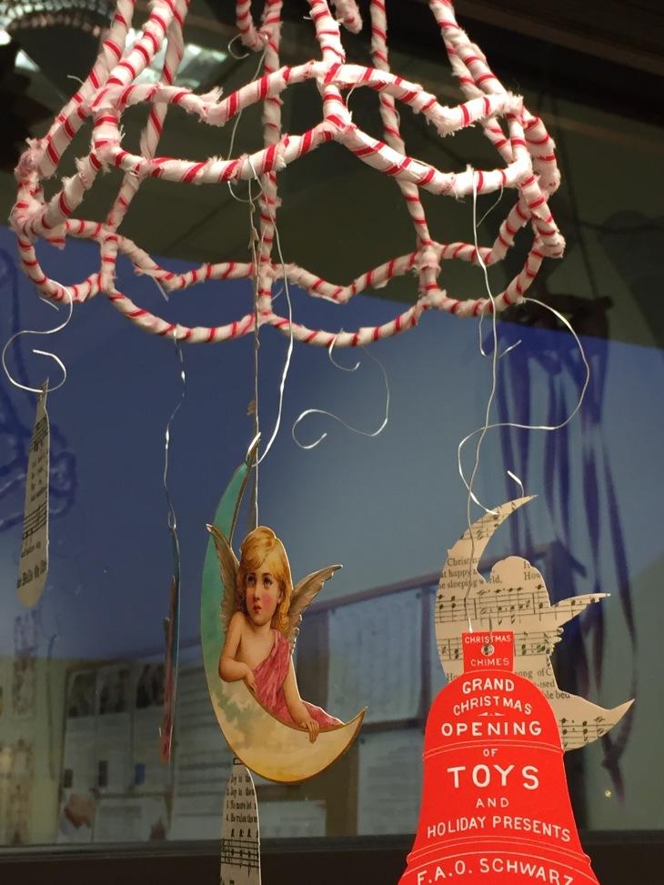 Wings of Whimsy: Christmas Cherub Mobile #diy #freebie #printable #christmas