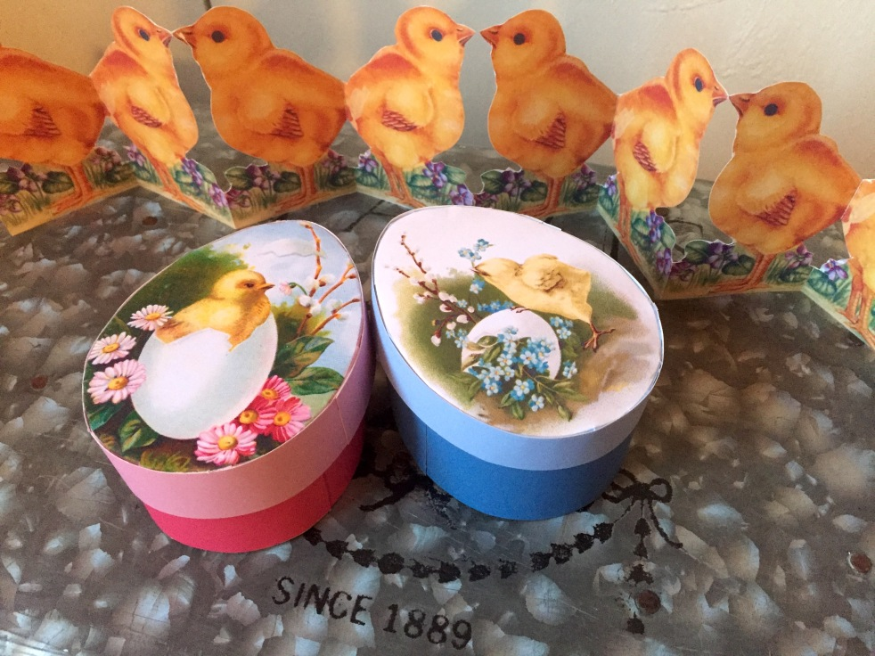 Wings of Whimsy: DIY Vintage Easter Egg Box #printable #freebie #ephemera #easter #egg #box