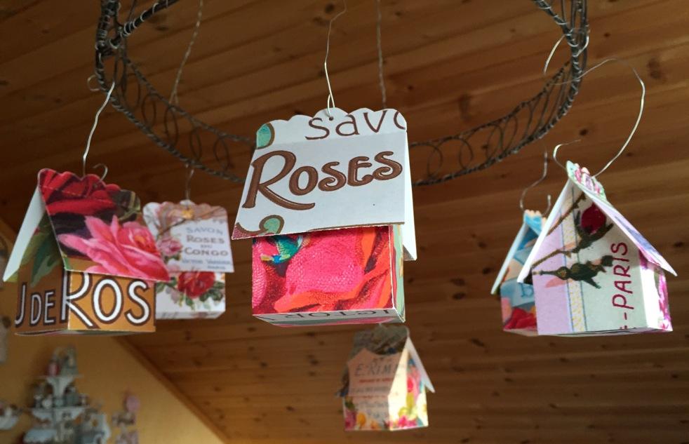 Wings of Whimsy: Perfume Cottage No 2: Savon Roses #vintage #freebie #printable #ephemera #perfume #label #rose