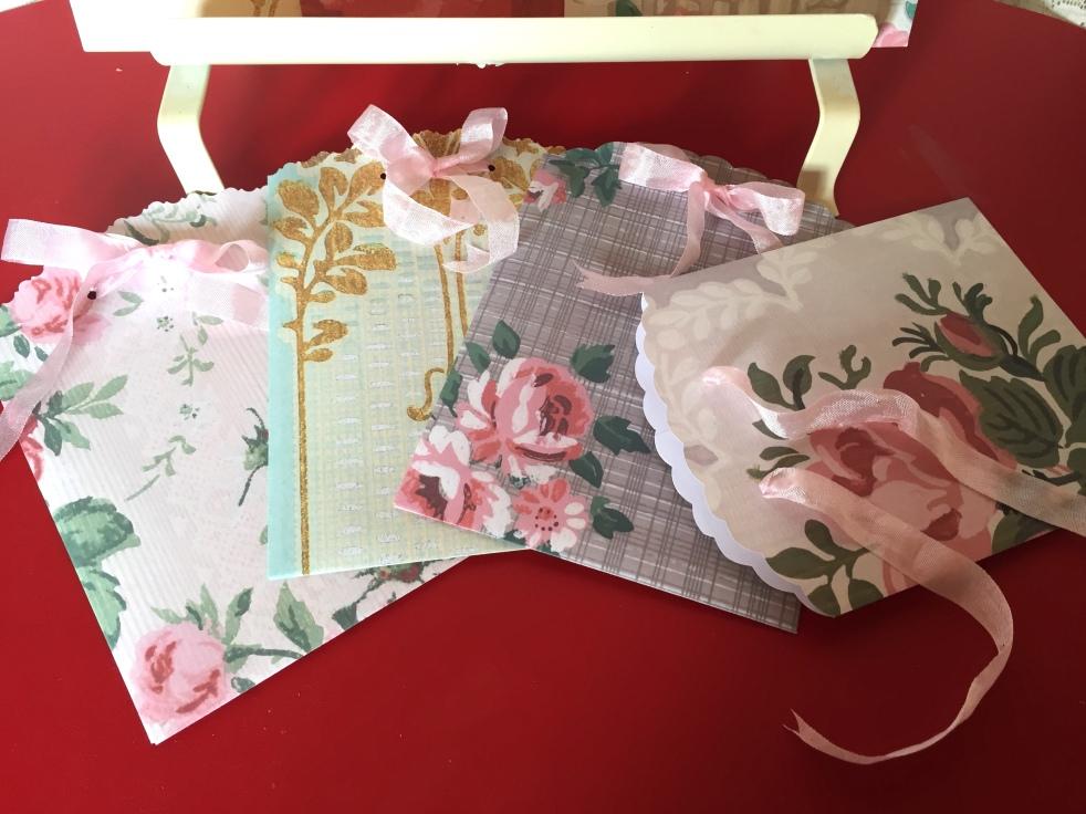 Wings of Whimsy: Wallpaper Gift Bags #vintage #ephemera #freebie #printable #gift #bag