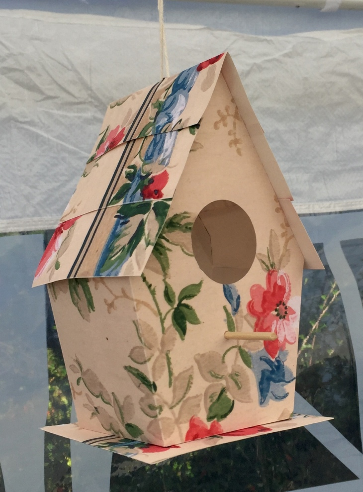 Wings of Whimsy: Wallpaper Birdhouses #vintage #ephemera #freebie #printable #wallpaper #bird #house